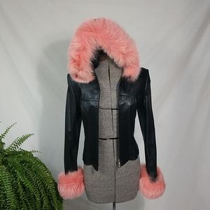 Super cute faux fur jacket 😍